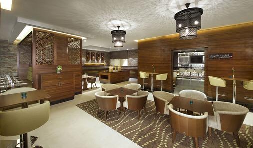 杜拜阿爾馬拉卡巴特希爾頓花園酒店 - 杜拜 - 杜拜 - 酒吧