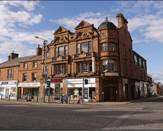 The Corner House Hotel - Annan - Building