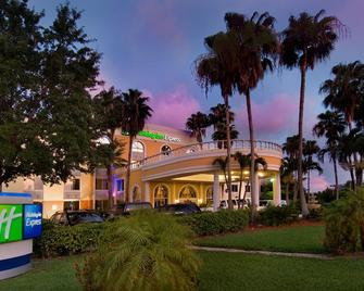 Holiday Inn Express Miami Airport Doral Area - Doral - Building