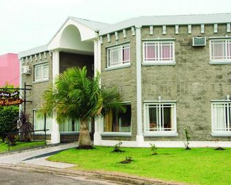 La Fuente Apart Hotel - Federación - Building