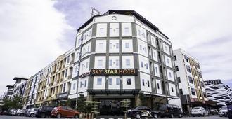 โรงแรมสกายสตาร์ แอท เคแอลไอเอ/เคแอลไอเอ2 - เซปัง