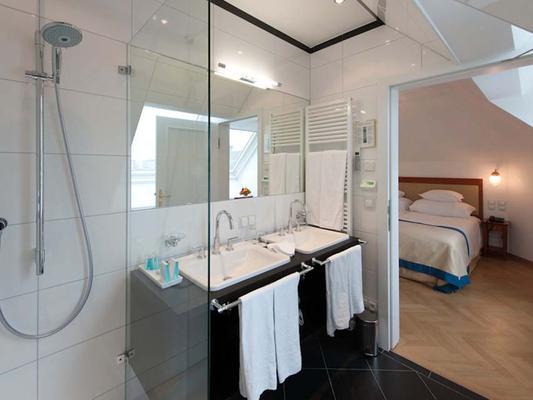 Ambassador Hotel - Вена - Ванная