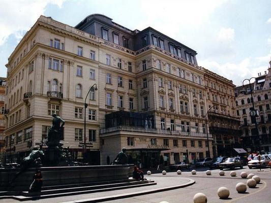 Ambassador Hotel - Вена - Здание