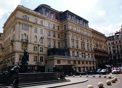 Ambassador Hotel - Viena - Edificio