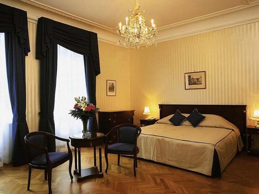 Ambassador Hotel - Вена - Спальня