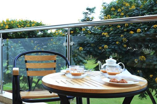 Lotos Inn & Suites, Nairobi - Nairobi - Balcony