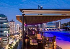 Hilton Singapore - Σιγκαπούρη - Ρουφ