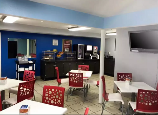 Econo Lodge Inn & Suites I-64 & US 13 - Virginia Beach - Buffet