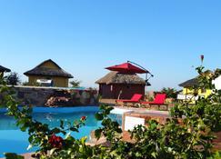 Hotel H1 Isalo - Ranohira - Pool
