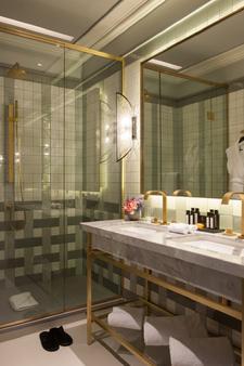 Nolinski Paris - Pariisi - Kylpyhuone