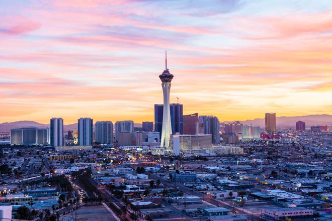 The STRAT Hotel, Casino & Skypod, BW Premier Collection - Las Vegas - Building