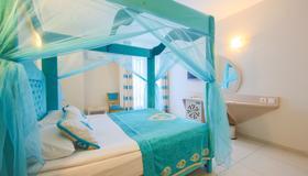 Daima Biz Hotel - Kemer - Schlafzimmer