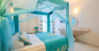 Daima Biz Hotel - Кемер - Спальня