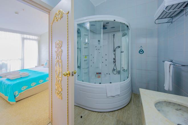 Daima Biz Hotel - Kemer - Baño