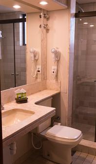 Tamandaré Plaza Hotel - Goiânia - Phòng tắm
