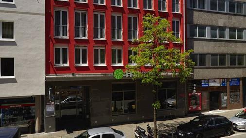 H+ Hotel München - Munich - Building