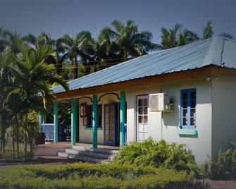 Toby's Resort - Bahía Montego - Edificio