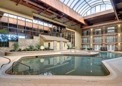 Eden Resort & Suites - Lancaster - Πισίνα