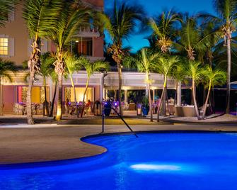 Blue Haven Resort & Marina - Providenciales - Edificio