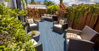 Hollywood Beach Suites and Hotel - Hollywood - Patio