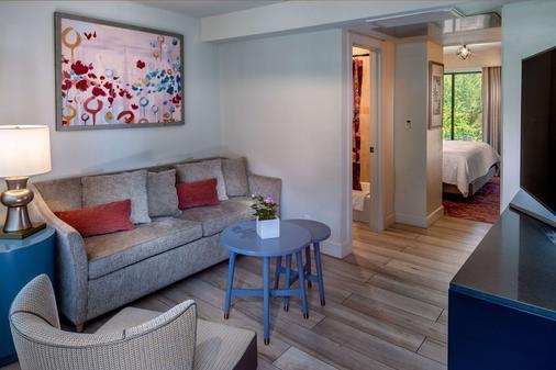 Cliffrose Lodge & Gardens at Zion Natl Park - Springdale - Living room