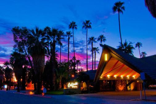 Caliente Tropics Hotel - Palm Springs - Näkymät ulkona