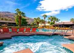 โรงแรมกาเลียนเต ทรอปิกส์ - ปาล์มสปริงส์ - สระว่ายน้ำ