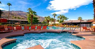 Caliente Tropics Hotel - Palm Springs - Piscina