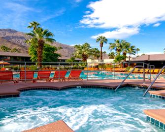 Caliente Tropics Hotel - Palm Springs - Zwembad