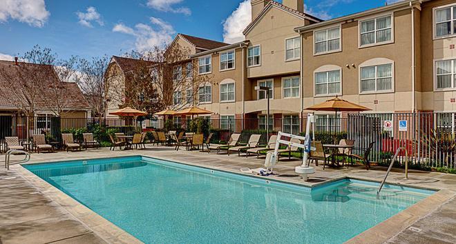 Residence Inn by Marriott San Jose South - San Jose - Uima-allas