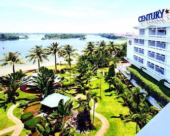 Century Riverside Hotel Hue - Huế - Outdoors view