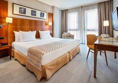 科爾多瓦市艾瑟酒店 - 科多瓦 - 科爾多瓦 - 臥室