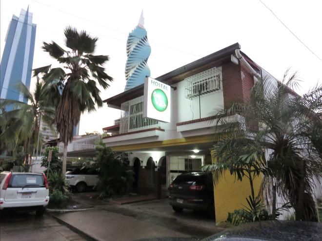 Hostal La Dolce Vita - Panama City - Building