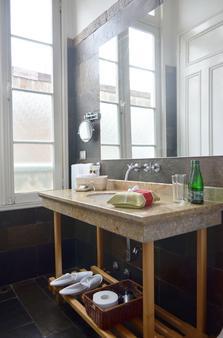 札洛酒店 - 法爾巴拉索 - Valparaiso/瓦爾帕萊索 - 浴室