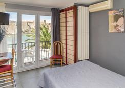 Hôtel Triton - Collioure - Bedroom