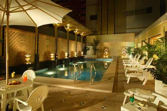 Hotel Golden Dragon - Macau - Pool
