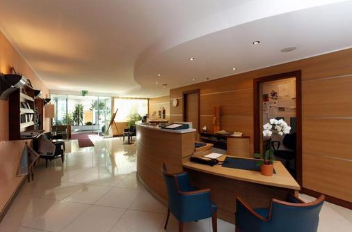 Hotel Delfino - Lugano - Front desk