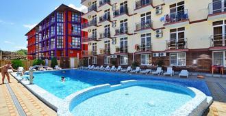 Hotel Gala Palmira - Vityazevo - Piscina