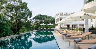 Treeline Urban Resort - Ciudad de Siem Riep - Piscina