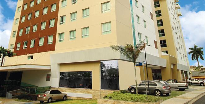 Hotel Express Vieiralves - Manaus - Building