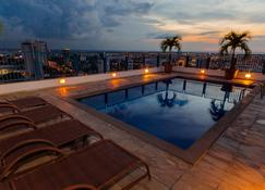 Hotel Adrianópolis All Suites - Манаус - Бассейн