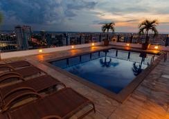 Hotel Adrianópolis All Suites - Manaus - Pool