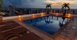 Hotel Adrianópolis All Suites - מאנואס - בריכה