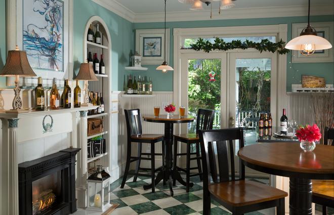 White Doe Inn - Manteo - Restaurant