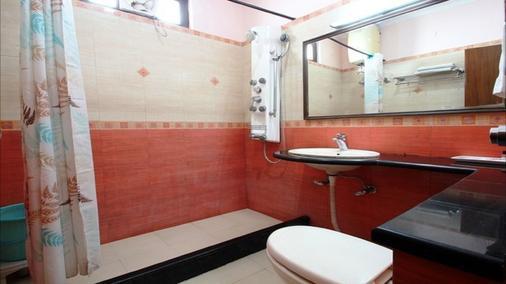 Hotel Oak Bush - Mussoorie - Bathroom