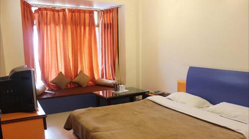 Hotel Oak Bush - Mussoorie - Bedroom