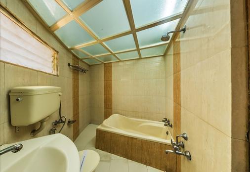 Rudra Mahal Hotel - Ahmedabad - Kylpyhuone