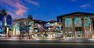 Hollywood Inn Express North - לוס אנג'לס - נוף חיצוני