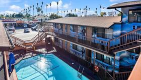 Hollywood Inn Express North - Los Angeles - Pool