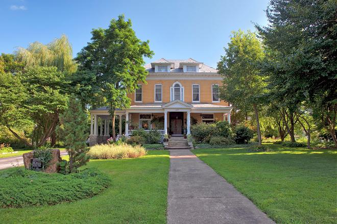 Beall Mansion An Elegant Bed & Breakfast Inn - Alton - Edificio